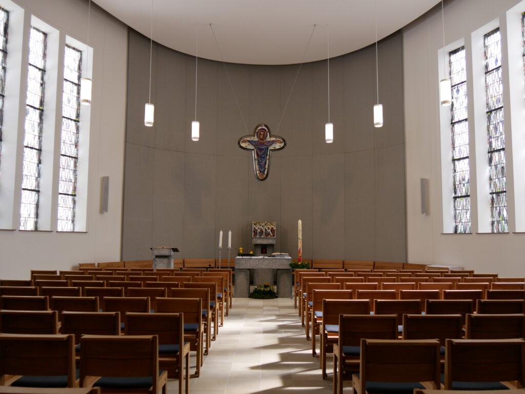 Der neu gestaltete Gottesdienstraum (Bildnachweis Tanja Wagener)